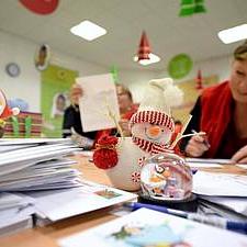 Екскурзии и книги са най-желаните подаръци за Коледа според проучване